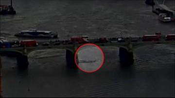 23-03-2017 09:40 Dramatyczne nagranie z zamachu w Londynie. Samochód taranował pieszych na moście