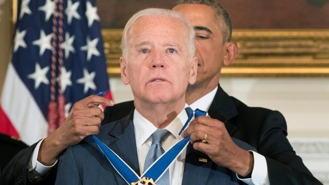 Obama odznaczył Bidena Medalem Wolności