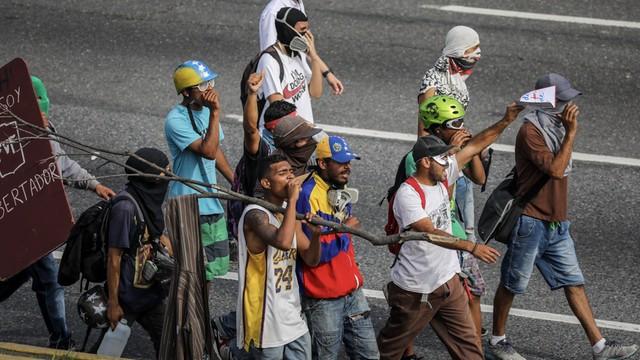 Wenezuela: Już 80 ofiar starć przeciwników rządu z policją