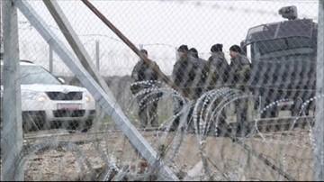 13-04-2016 12:33 Macedońska policja użyła gazu łzawiącego wobec migrantów na granicy