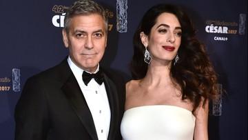 25-02-2017 06:19 Polityka na gali Cezarów. Clooney krytykuje Trumpa