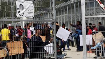 07-04-2016 15:02 Grupa 70 Pakistańczyków rozpoczęła strajk głodowy na Lesbos