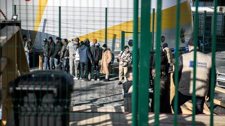 Szef węgierskiego MSZ chce poświęcić fundusze UE na zatrzymanie imigrantów