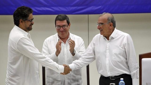 Kolumbia: rząd zawarł układ pokojowy z lewicową partyzantką. Koniec 50-letnich walk?