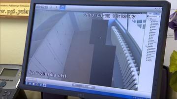 Gimnazjalne pisuary pod okiem kamery monitoringu