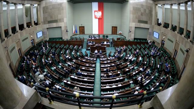 Sejm kontynuuje posiedzenie