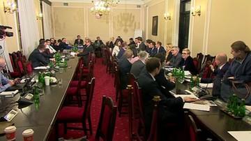 Sejmowa komisja sprawiedliwości za uchwaleniem projektu prezydenta o SN wraz z przyjętymi poprawkami PiS