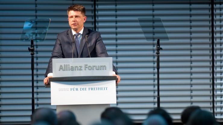 Petru: UE znalazła się na krawędzi wskutek kryzysów i populizmu