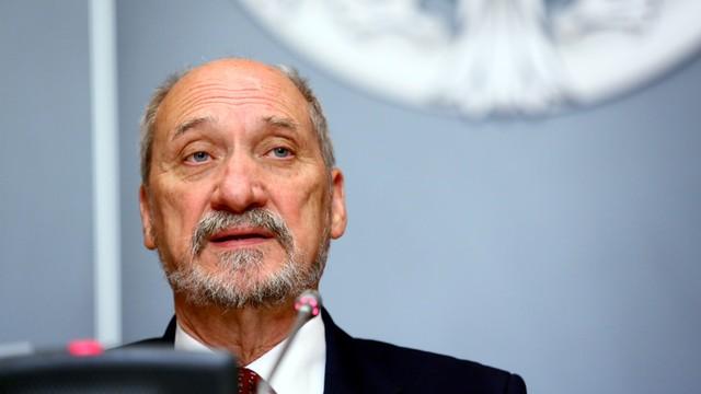 MON: Polska i USA podpisały umowę na dostawę pocisków JASSM-ER