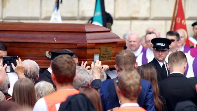 Kardynał Macharski spoczął w krypcie Katedry na Wawelu