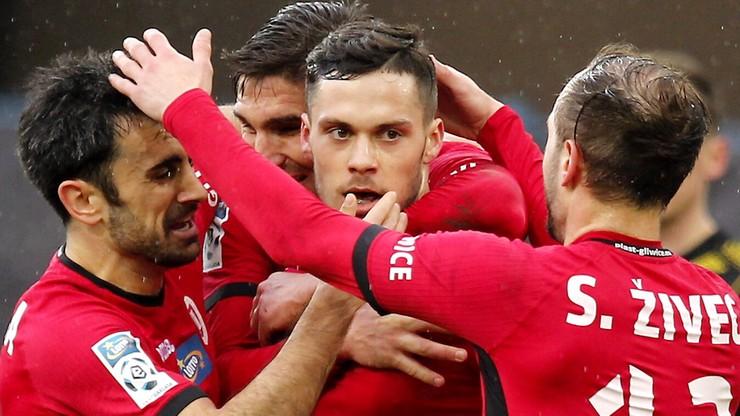 Pięć bramek w Gliwicach, Badia daje Piastowi trzy punkty