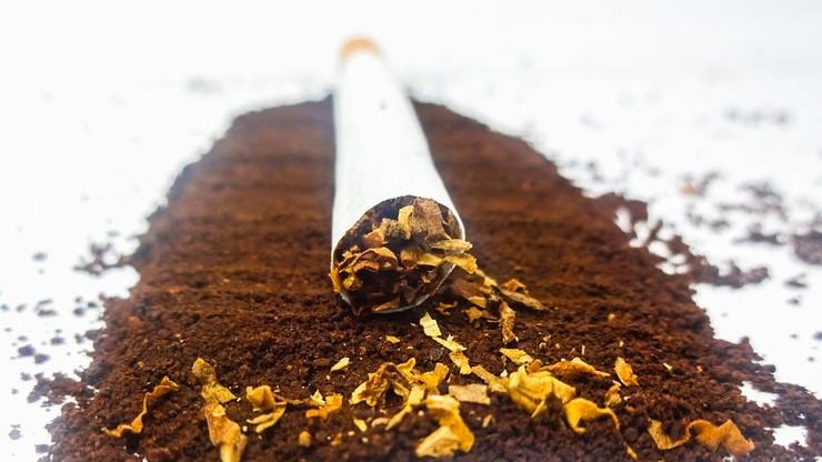 """""""Pakiet tytoniowy"""" ma uderzyć w szarą strefę. Rozpoczęły się konsultacje publiczne"""