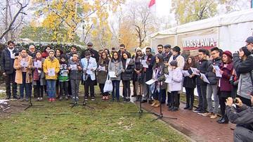 11-11-2016 15:55 Obcokrajowcy zaśpiewali polski hymn. Uczyli się go trzy tygodnie