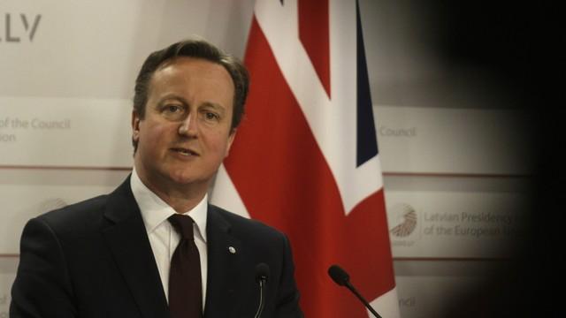 Brytyjczycy w obawie przed imigrantami chcą wzmocnić granicę z Francją