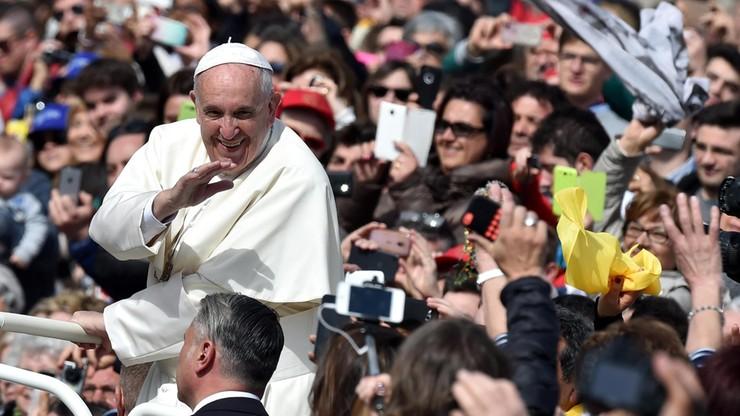 Franciszek: jałmużna gestem miłości i troski