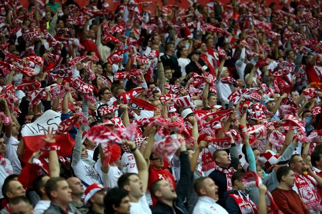 Mecz Polska-Szkocja przy otwartym dachu