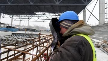 2017-01-30 Powstaje dach hali lodowej w Tomaszowie Mazowieckim