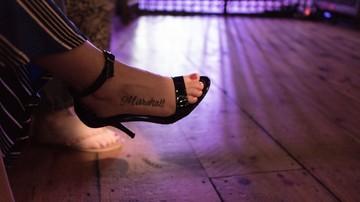 05-12-2016 18:42 Dekolt i brudne buty. Szkolenia z savoir-vivre'u dla pracowników Sejmu