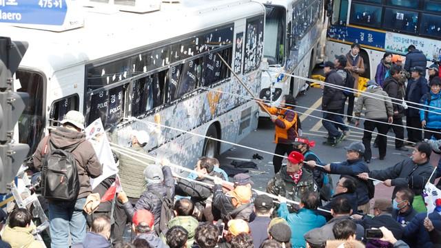 Dwie osoby zmarły wskutek obrażeń podczas protestu w Seulu