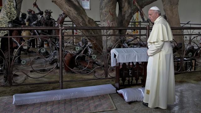 Uganda: Franciszek odwiedził sanktuaria dedykowane męczennikom