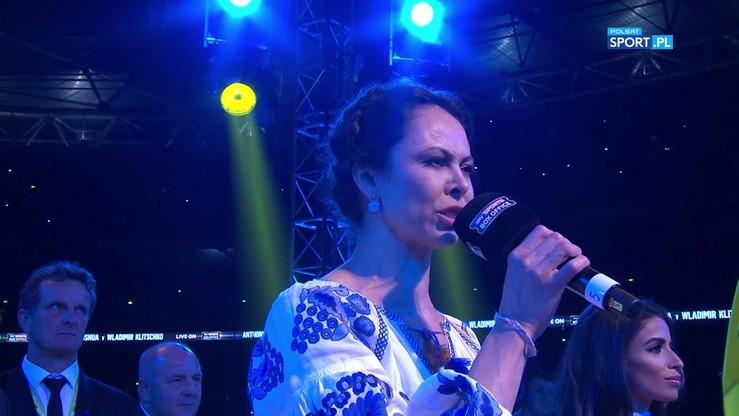 2017-04-29 Żona Witalija Kliczki odśpiewała hymn Ukrainy na Wembley