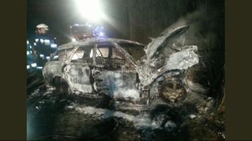 Wypadek w Janowcu: dwie osoby spłonęły w samochodzie