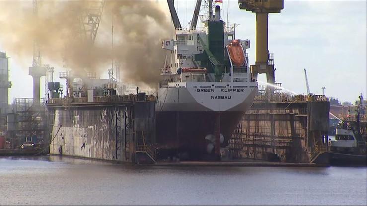 Pożar statku w szczecińskiej stoczni remontowej