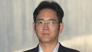 07-08-2017 08:34 Szef Samsunga miał złożyć ofertę korupcyjną byłej prezydent Korei Płd. Prokuratura żąda 12 lat więzienia
