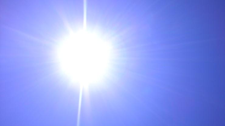 Polscy naukowcy wynaleźli ubrania chroniące przed promieniowaniem UV