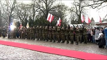 14-12-2016 18:19 Wojewoda z wojskiem na osobnych obchodach rocznicy powstania wielkopolskiego. Przez apel smoleński