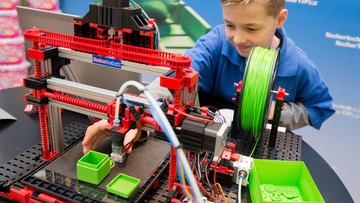 26-01-2016 21:40 67. targi zabawek w Norymberdze - drukarki 3D drukują zabawki