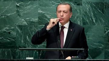 23-09-2016 11:14 Erdogan: USA dostarczyły więcej broni kurdyjskim bojownikom