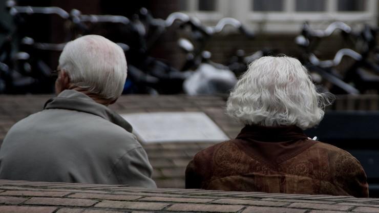 KRD: emeryci zadłużają się na potęgę