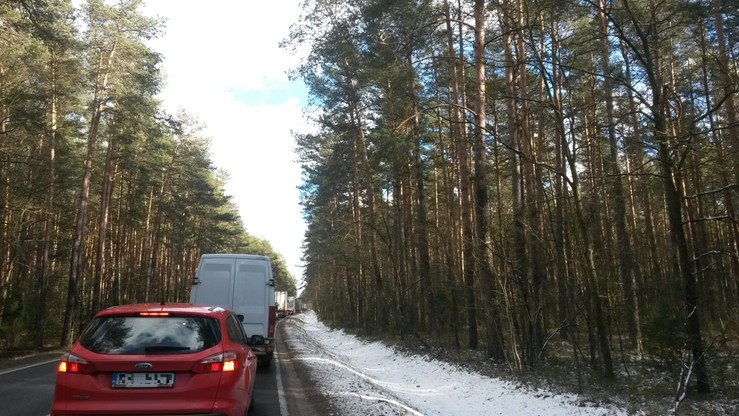 2017-02-25 Śmiertelny wypadek na Mazowszu i objazd przez Brok. Ogromny korek