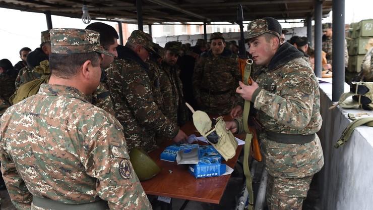 Ławrow i Kerry zaniepokojeni eskalacją napięcia w Górskim Karabachu. Azerbejdżan grozi atakiem
