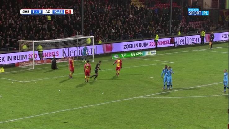 Kuriozalny gol! Piłka rzucona z trybun przeszkodziła bramkarzowi