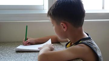 15-06-2016 16:13 Edukacja domowa zagrożona? Rodzice: rząd nam nie sprzyja