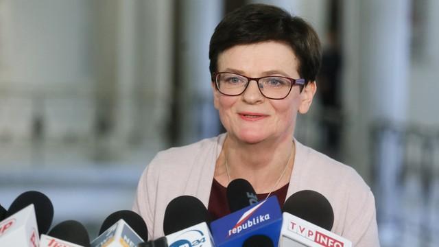 PO: minister Zalewska lekceważy problemy samorządów, rodziców i uczniów