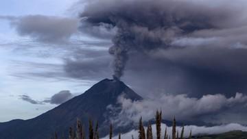 06-03-2016 15:59 Ekwador: uaktywnił się potężny wulkan. Zobacz zdjęcia