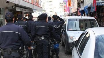 18-04-2016 09:16 Prawie 90 osób zatrzymanych za powiązania z wrogiem Erdogana