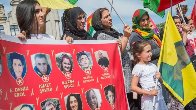 Turecka armia zabiła już 390 kurdyjskich bojowników