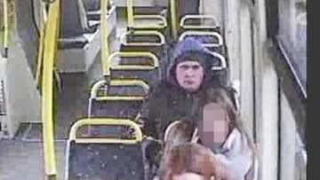 23-03-2016 08:08 Łódź: obcinał kobietom włosy w tramwajach. Został zatrzymany