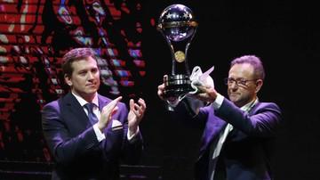 2016-12-22 Prezes Chapecoense podzielił się trofeum z Atletico Nacional