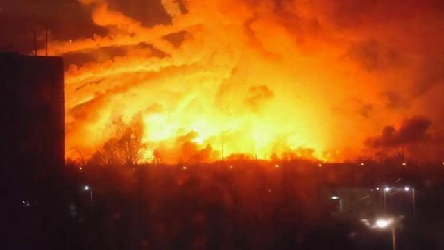 Ściana ognia i wielogodzinna seria wybuchów. Spłonął największy skład amunicji na Ukrainie