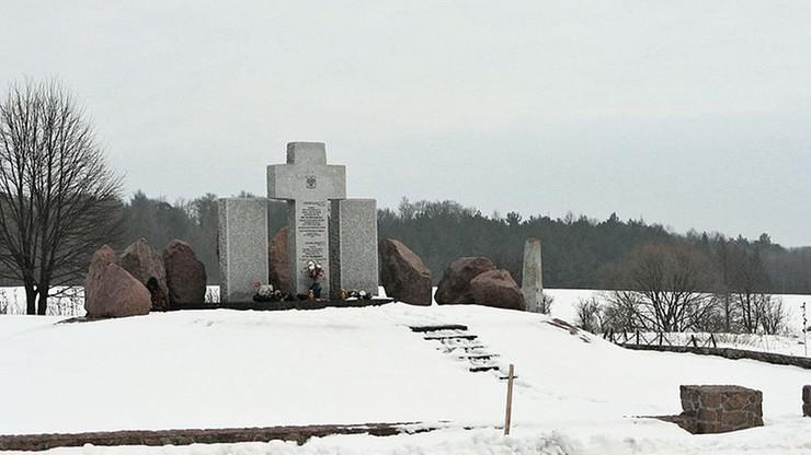 Ukraina: zdewastowano pomnik Polaków z Huty Pieniackiej. Ukraińskie MSZ potępiło wandalizm