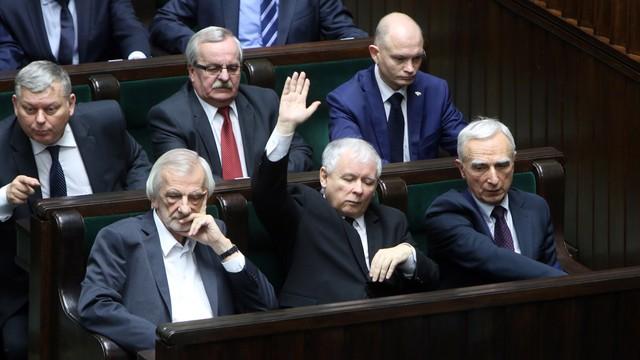 Sejm uczcił pamięć Lecha Kaczyńskiego. Posłowie przyjęli specjalną uchwałę