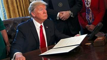 Sędzia federalny zablokował dekret ws. zakazu wydawania wiz. Biały Dom zapowiada kroki prawne
