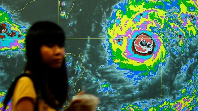 Do Tajwanu zbliża się tajfun, odwołano loty i zamknięto szkoły