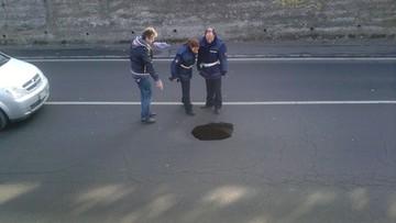 18-03-2016 06:47 Rzym: 50 strażników miejskich pilnuje dziur w jezdniach