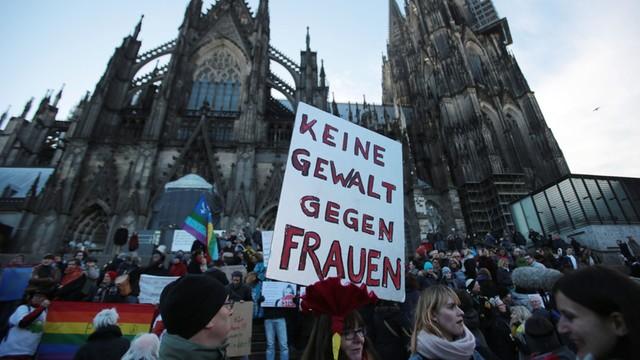 Niemcy: Demonstracje w Kolonii - w akcji 1,7 tys. policjantów